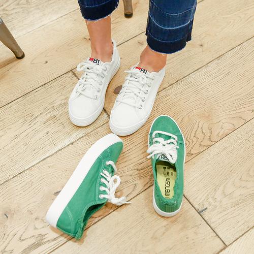 <b>Filled Shoes</b>