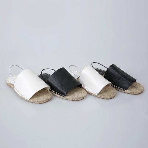 <b>Heads bent back Sandals</b>