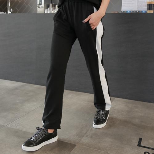 <b>Color Line Bending Pants</b>