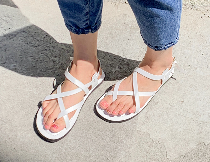 <b>Bell Ring Twisted Line Sandals (0.5cm)</b>
