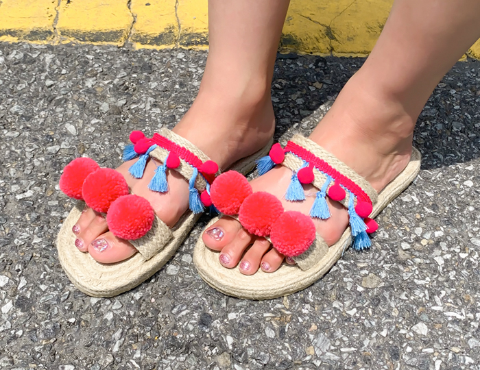 <b>Pom Pom Ratan Slippers (3cm)</b>