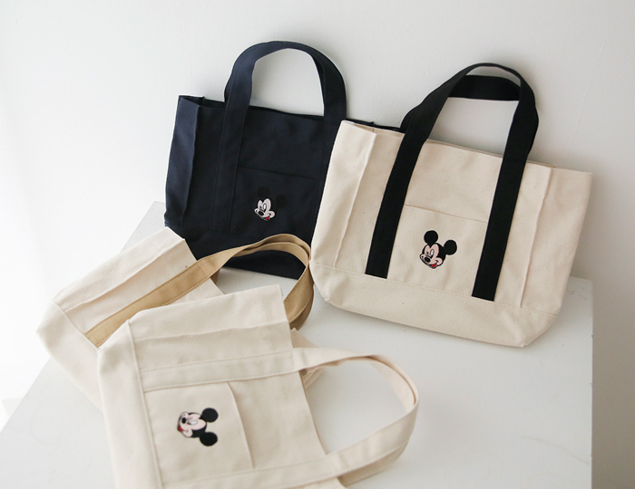 <b>Face Mickey square Tote-bag</b><br><br> <font color=red>[Pre-order] 4/19 sequential delivery</font></br>