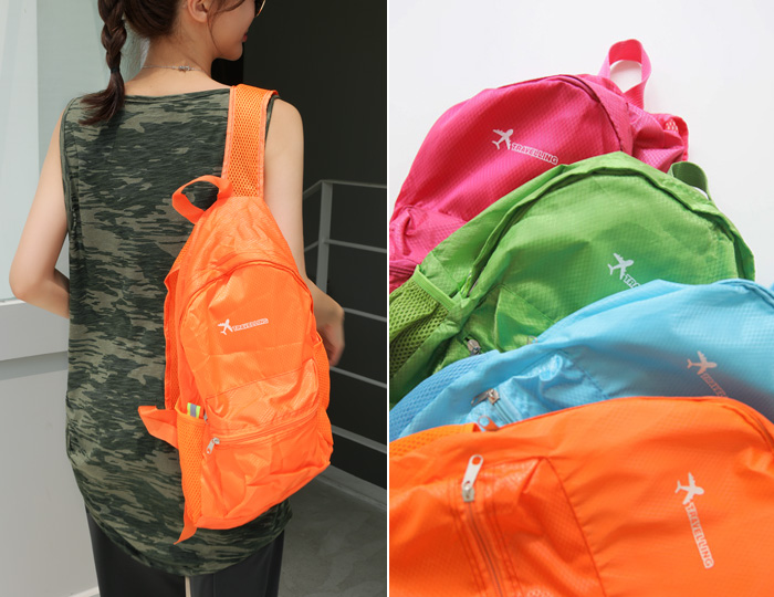 <b>Easy transformation Pouch BackPack</b>